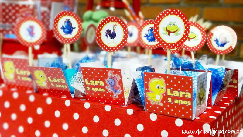 Dicas da japa festa da galinha pintadinha docinho com palitinho