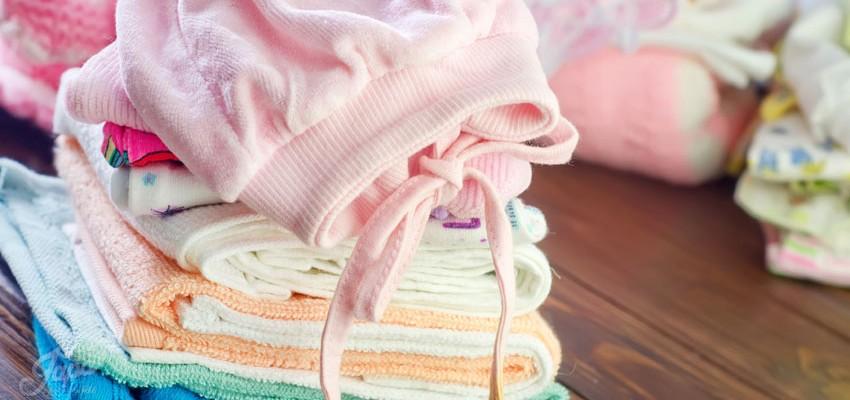 Como lavar as roupas do bebê recém-nascido