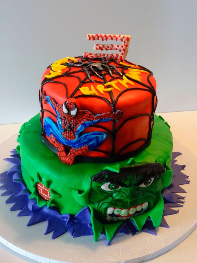 Bolo hulk e homem aranha