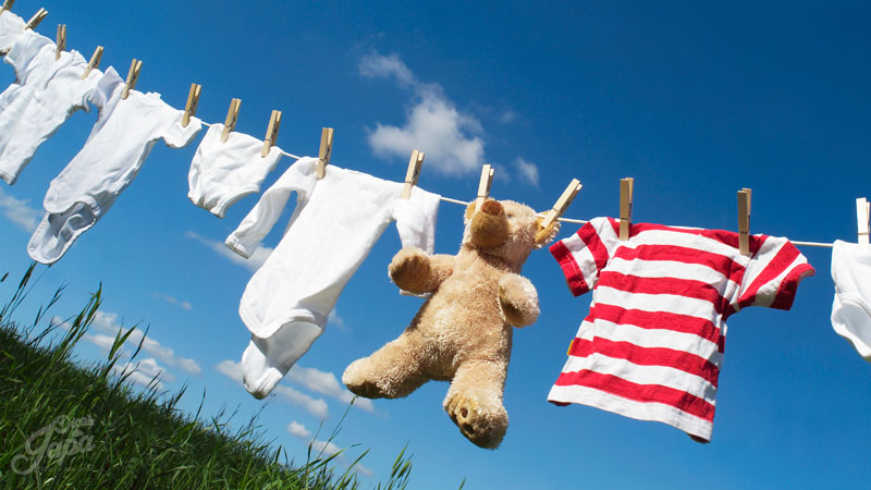 Roupa de bebê para secar