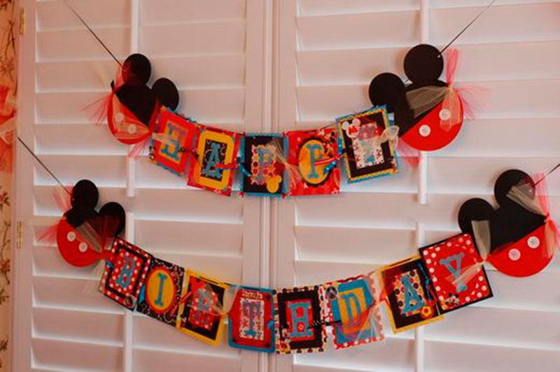 aniversario do mickey vermelho