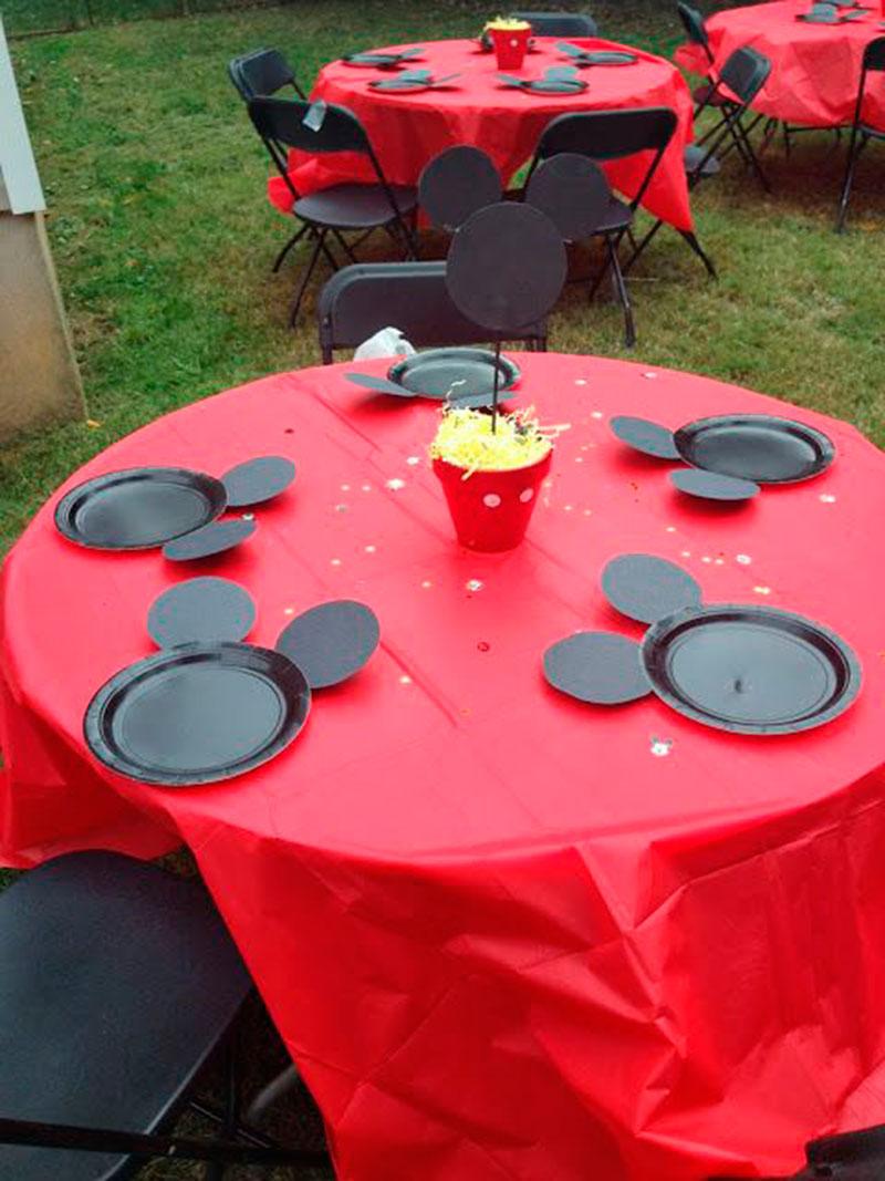 mesa de atividade do mickey para festa