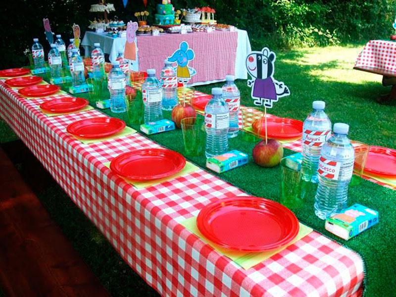 pratinhos e agua personalizado Peppa 2