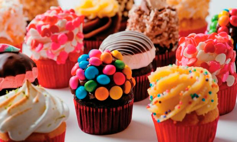 cupcake com guloseimas