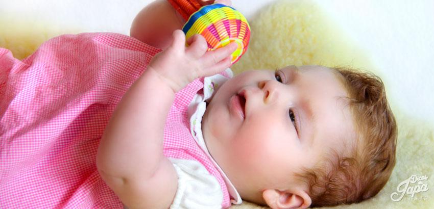 bebê de 4 meses