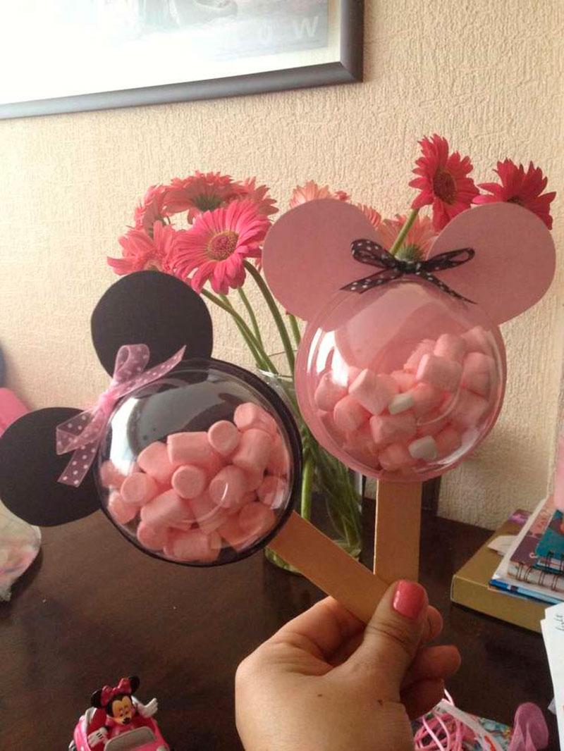 doces lembrancinhas do Mickey