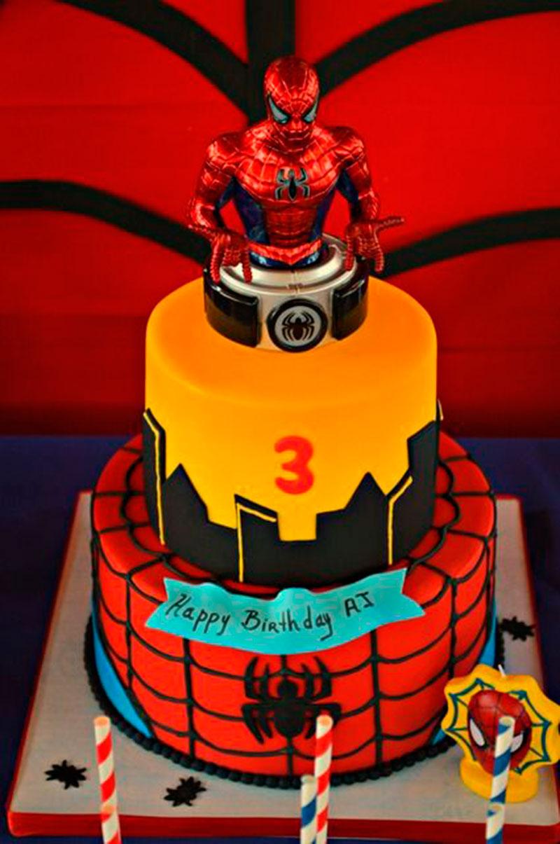 Bolo para festa do Homem Aranha colorido