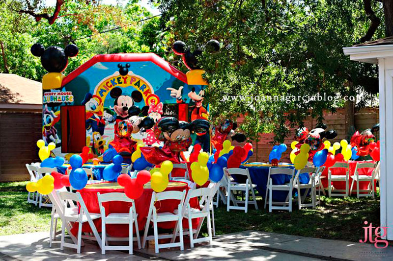 festa ao ar livre do Mickey