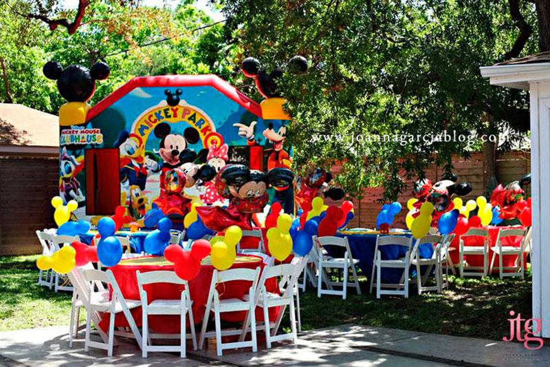 festa ao ar livre do Mickey