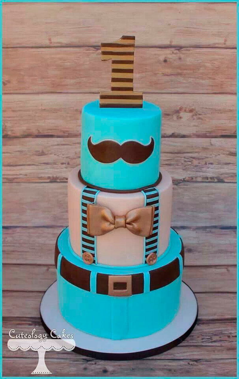 bolo azul e marrom