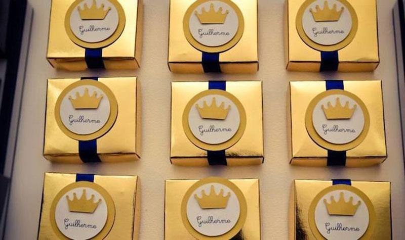 lembrancinha personalizada lembrancinha dourada