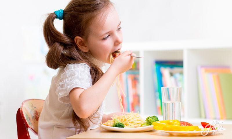 Tenha calma e paciência-alimentação infantil
