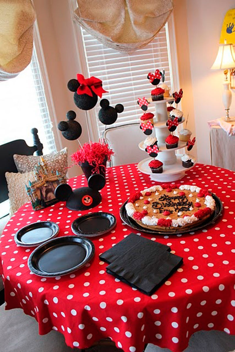festa da minnie vermelha 40 ideias incr veis. Black Bedroom Furniture Sets. Home Design Ideas