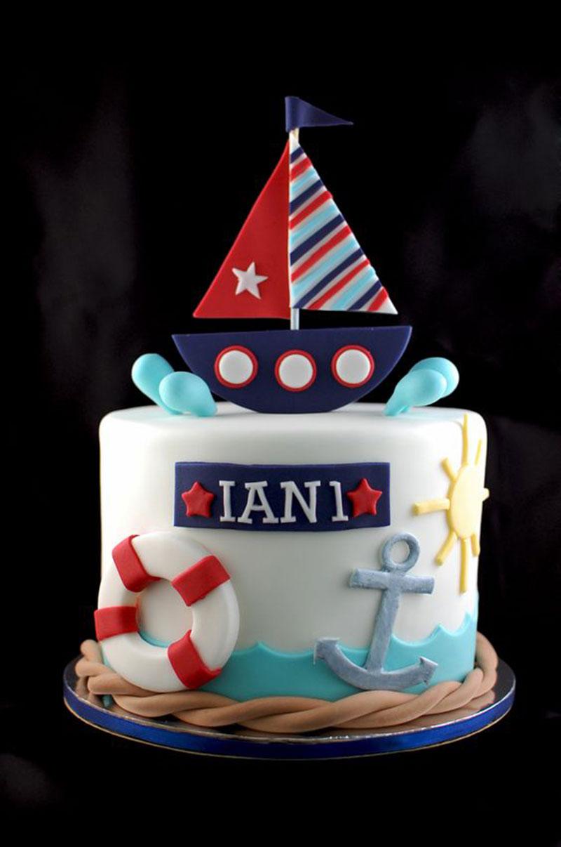 bolo alto decorado