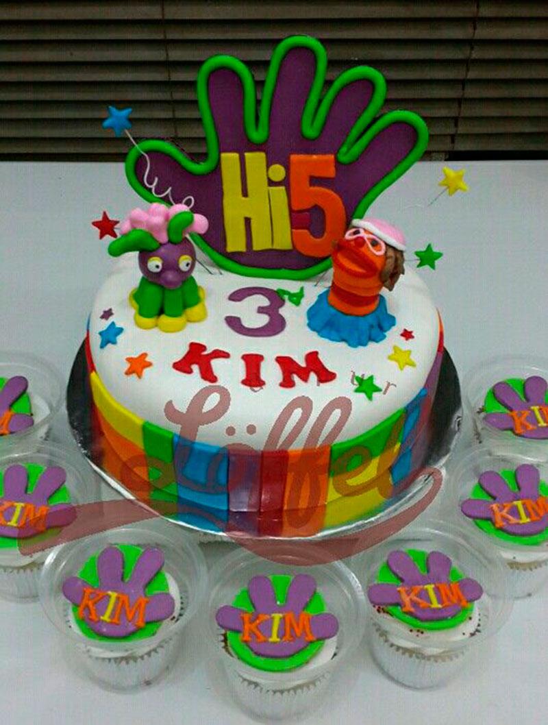 bolo e cupcake da festa