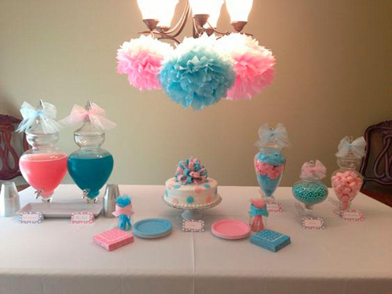 mesa simples com cor pink e azul