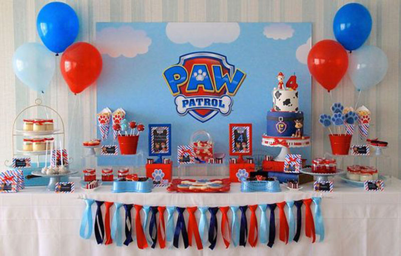 mesa decorada - patrulha canina