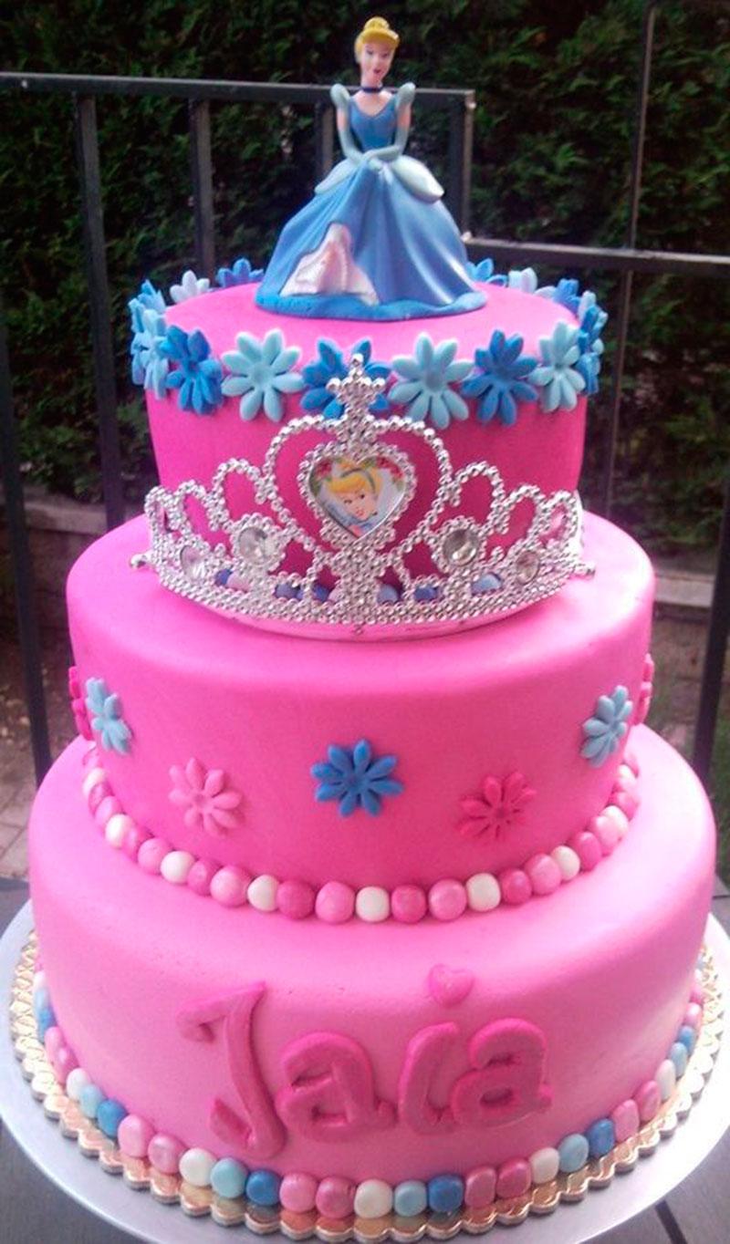 bolo da Cinderela rosa